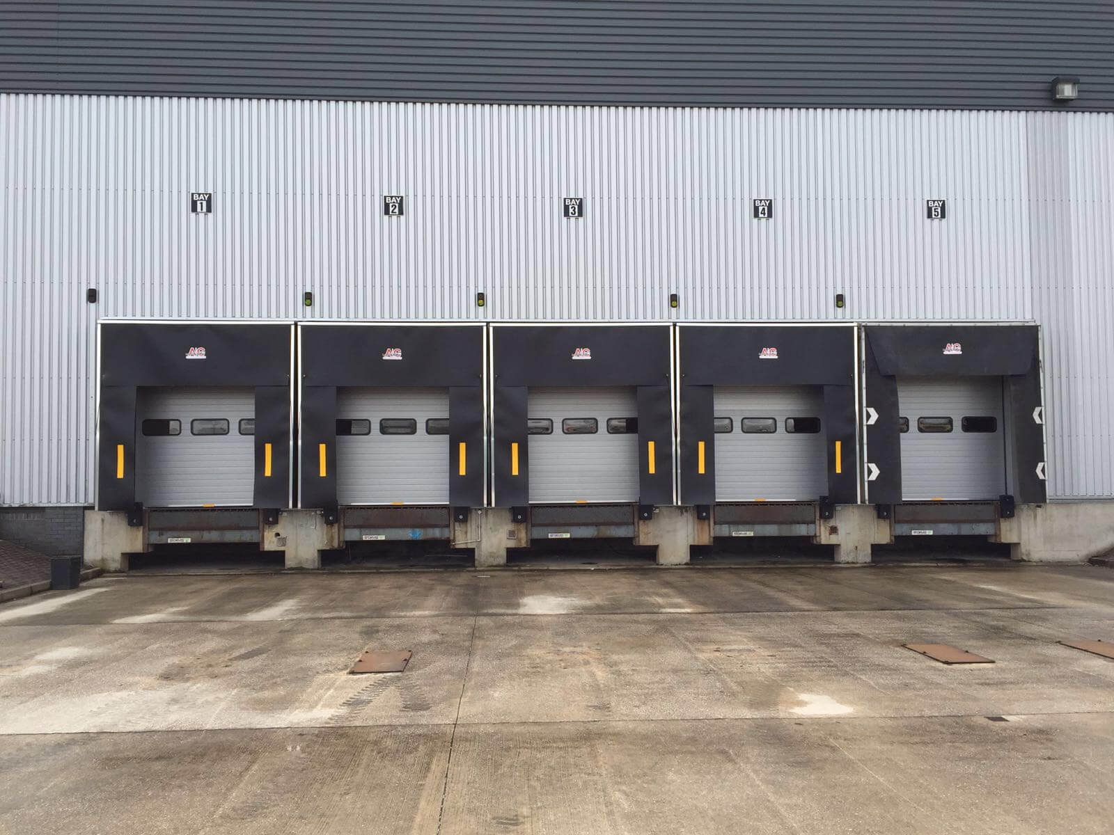 Retractable Dock Shelters A Amp C Maintenance Limited